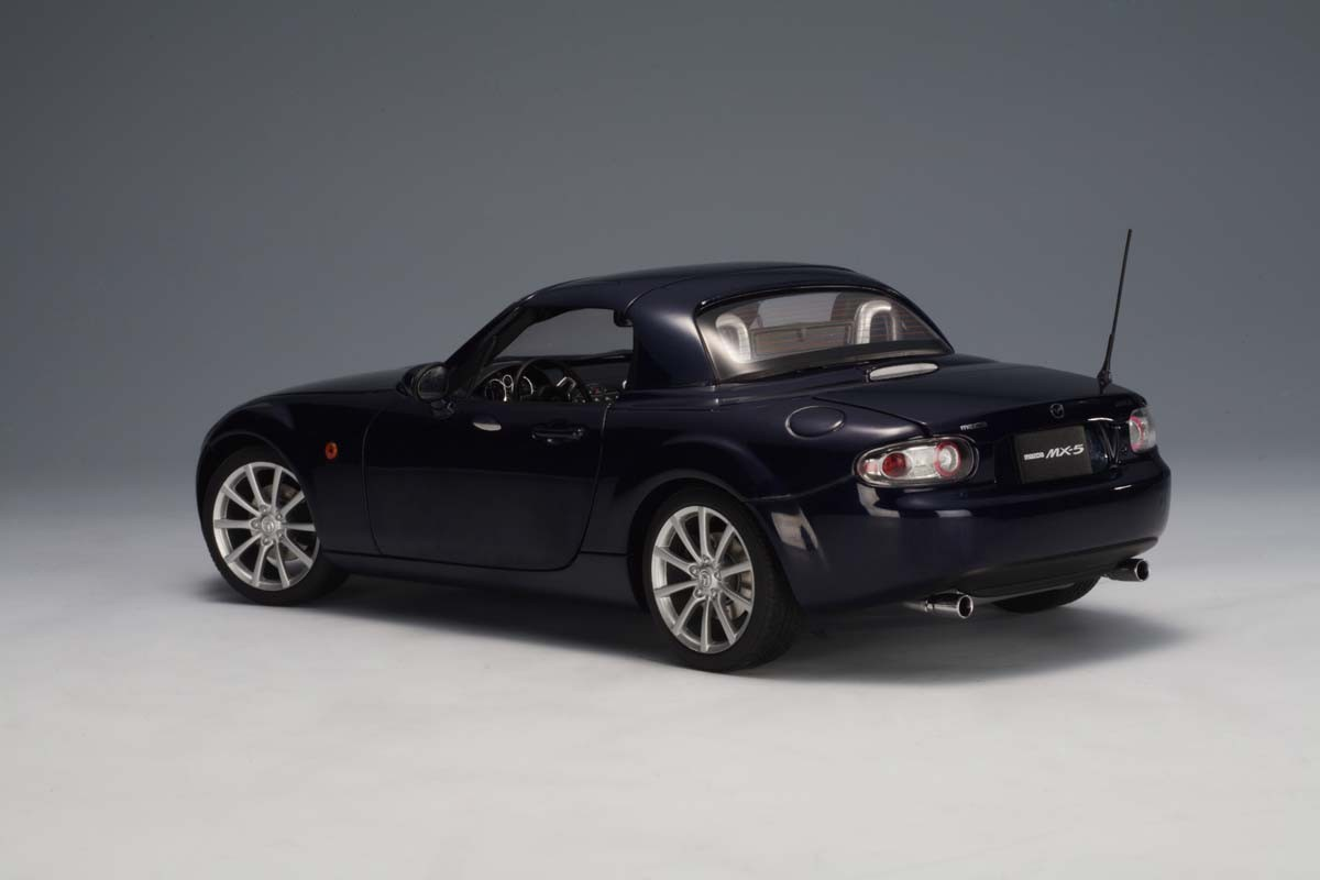 Mazda Mx5 For Sale >> AUTOart 1:18 Scale Mazda MX-5 Roadster Retractable Roof 2006, LHD, (European Version), Stormy ...