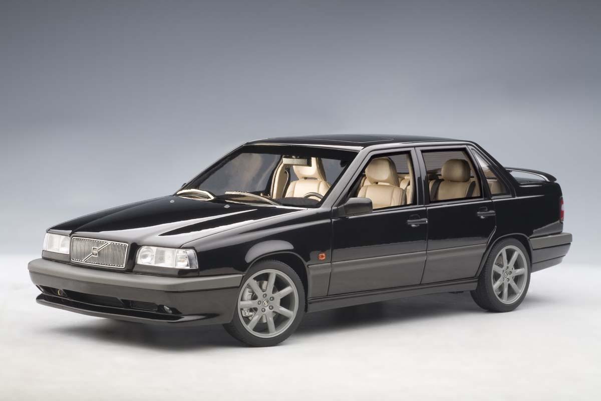 AUTOart 1:18 Scale VOLVO 850R Sedan 1996, Black. ezToys - Diecast Models and Collectibles