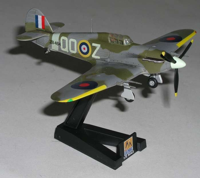 - Royal Air Force Easy Model 37242 RAF 3 Sqn WW2 Hawker Hurricane MK.II
