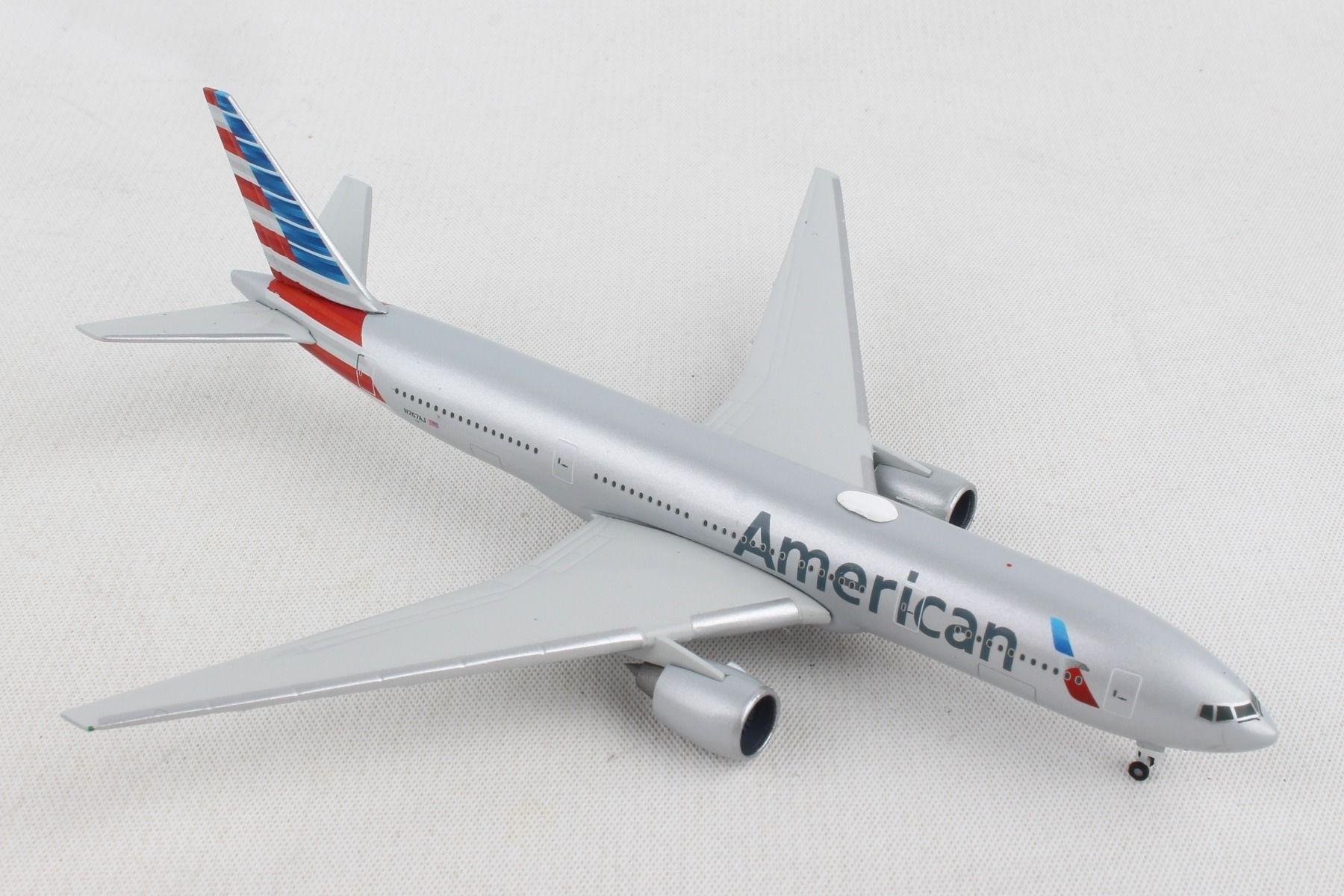 Herpa Wings 1:500 Boeing 787-9 Dreamliner American Airlines 530422