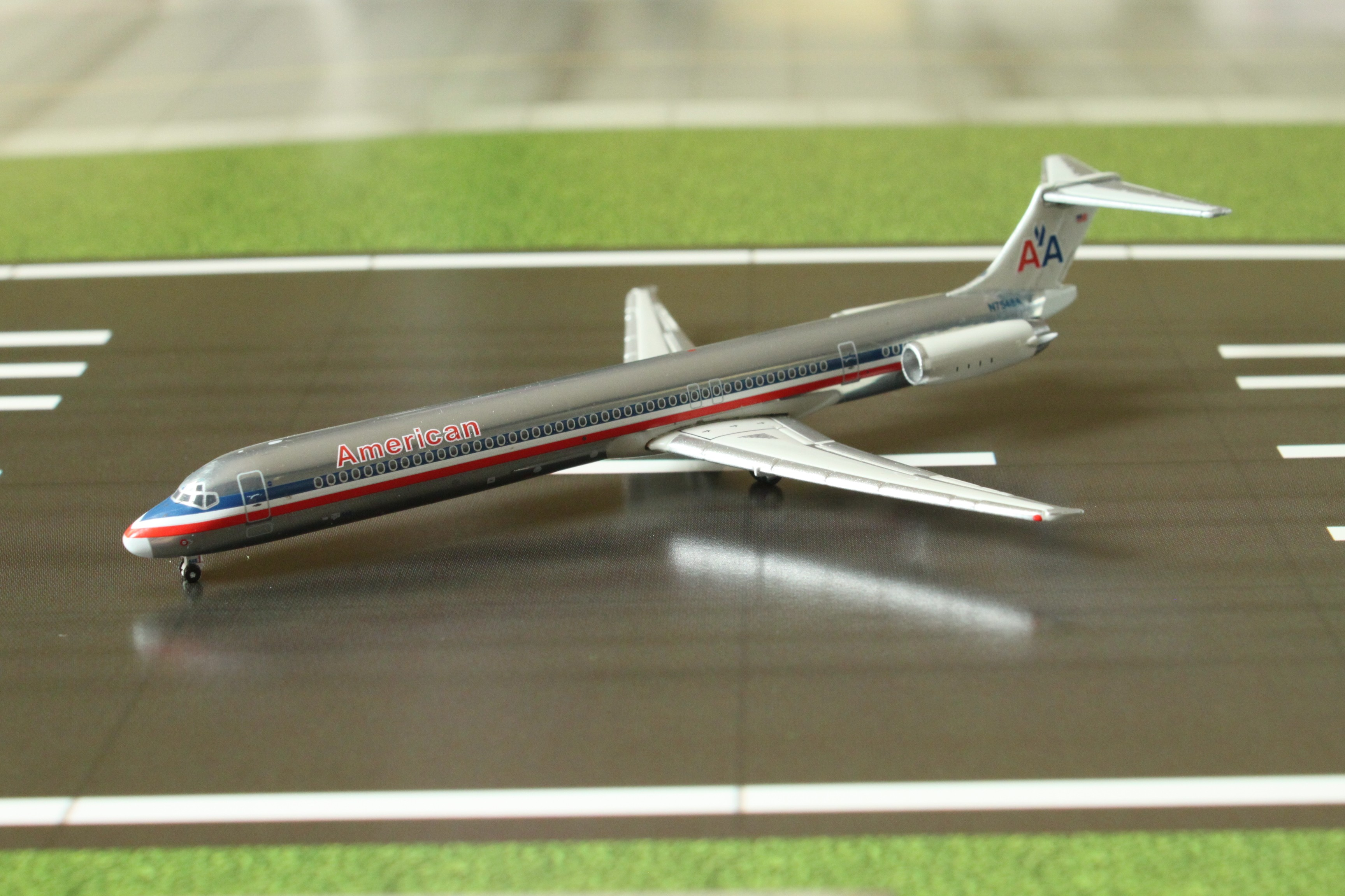 1 400 American Airlines Md 80 N7548a Polished Eztoys