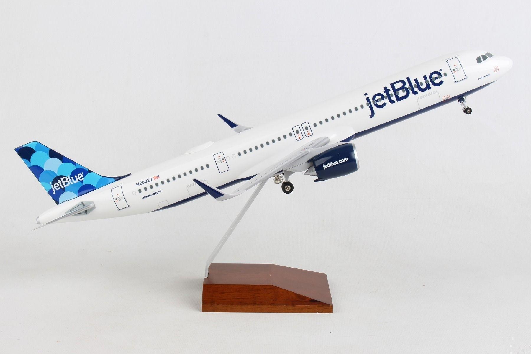 "SkyMarks Supreme JetBlue /""Love NY/"" Airbus A320 1//100"