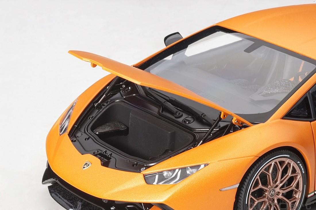 LAMBORGHINI HURACAN PERFORMANTE MATT ORANGE 1//18 MODEL CAR BY AUTOART 79152