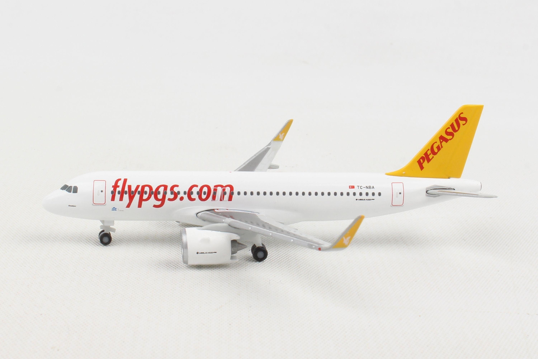 Herpa Wings 1:500 531788  Pegasus Airlines Airbus A320neo