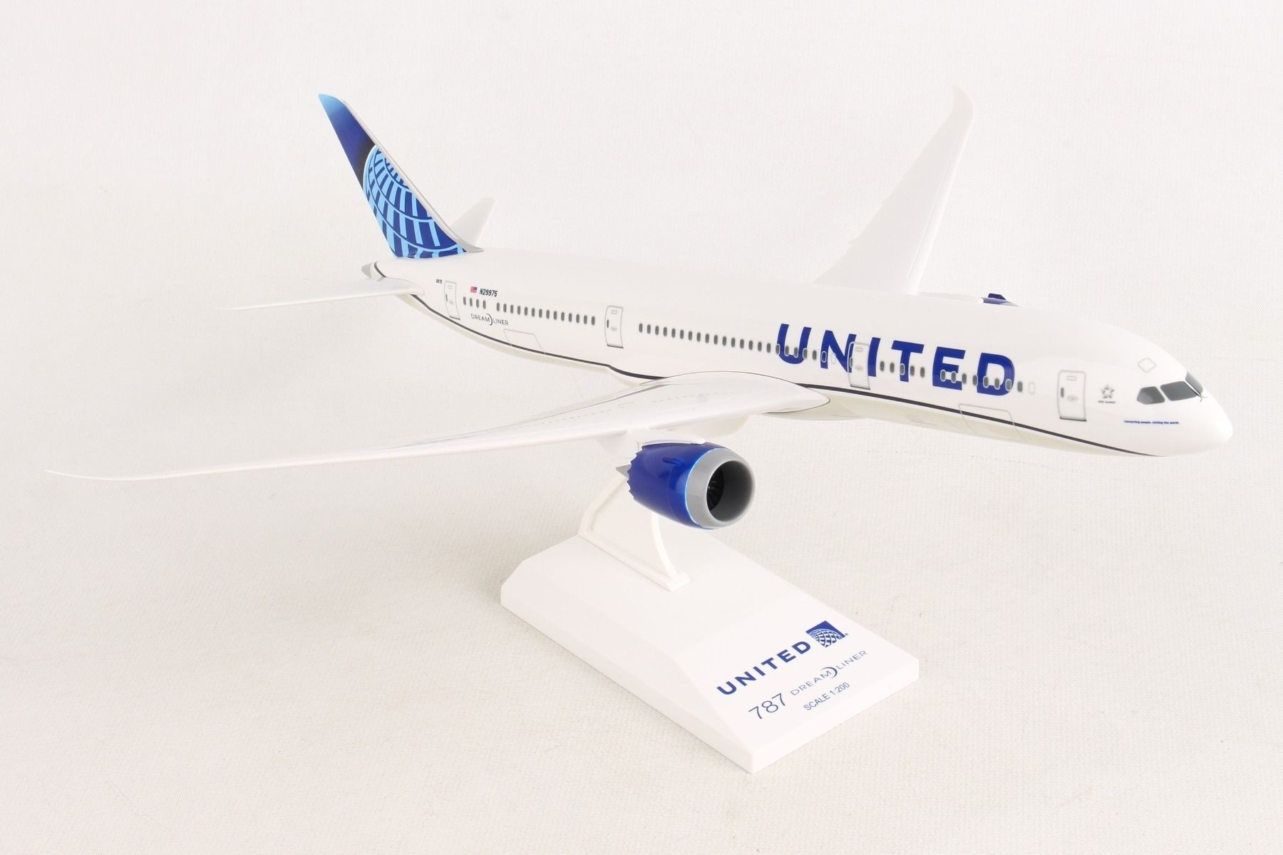 Skymarks United Airlines Boeing 767-300 1//200 Scale Plane with Stand