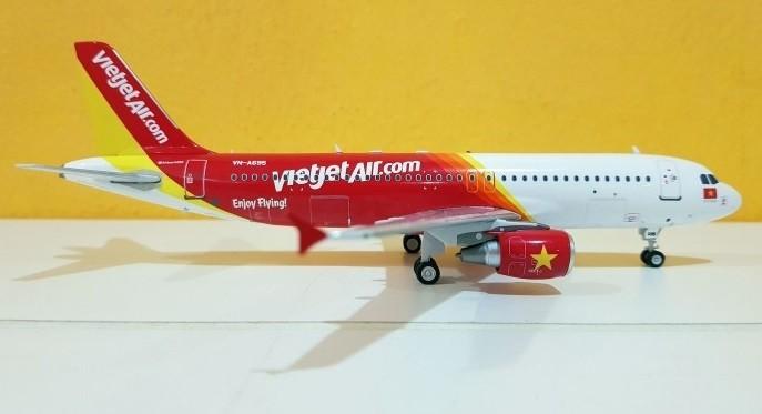 J-fox 1:200 metal modelo VietJet Air a320-214 vn-a695 /& Herpa Wings catálogos