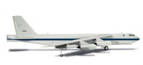 NASA B-52H Stratofortress Dryden Research Center 61-0025 556293 scale 1:200