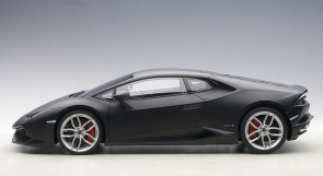 Black Lamborghini Huracan LP610-4 Composite Matt Black 12096 Scale 1:12