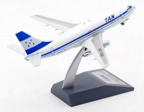 TAN Honduras Boeing 737-200 HR-TNR ElAviador/InFlight with stand EAVTNRscale 1:200
