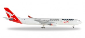 Qantas Airbus A330-300 80 Years International Reg# VH-QPA Herpa 528672 Scale 1:500