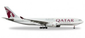 Qatar Cargo Airbus A330-200F Lowered Nose Reg# A7-AFY Herpa 529884 Scale 1:500
