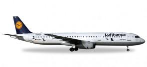 "Lufthansa Airbus A321 Sharklets Reg# D-AIRR ""Wismar"" Herpa 530491 Scale 1:500"