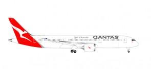 Qantas Boeing B787-9 Dreamliner Reg# VH-ZNA Herpa 530545 Scale 1:500