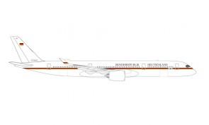German Army Airbus A350-900 10+03 Bundesrepublik Deutschland Merkel One Herpa Wings 534468 scale 1:500