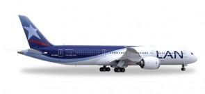 LAN Airlines Boeing 787-9 Dreamliner Reg# CC-BGA Herpa Wings HE557405 Scale 1:200