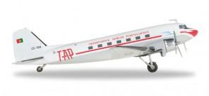 TAP Portugal DC-3 Douglas Die-Cast Reg# CS-TDA Herpa 557603 Scale 1:200