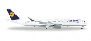 "Lufthasna A350 XWB Reg# D-AIXA ""Numberg"" Herpa 557801-001 Scale 1:200"