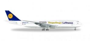 Metallic Lufthansa Siegerflieger Rio 2016 747-8 Die-Cast Reg# D-ABYK  Herpa 558402 Scale 1:200