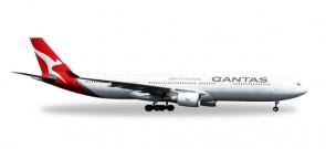 Qantas Airbus A330-300 New Livery VH-QPJ Herpa 558532 Scale 1:200