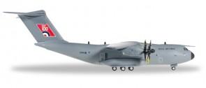 A400M Atlas RAF 100 Anniversary ZM416 LXX Brize Norton Herpa 559447 scale 1:200