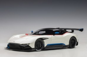 Aston Martin Vulcan Stratus White with Blue and Red Stripes AUTOart 70261 die-cast scale 1:18