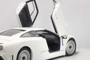 Bugatti EB110 GT White 70978 AUTOart Die-Cast Scale 1:18
