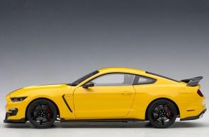 Yellow Black Stripes Shelby Mustang GT-350R Black stripes AUTOart 72932 Scale 1:18