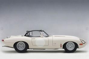 Jaguar Lightweight E-Type 73649 White AUTOart Die-Cast Scale Model 1:18