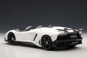 Lamborghini Aventador J (Roadster) White 74674 AUTOart die-cast scale 1:18