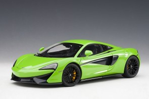 Mantis Green McLaren 570S Black wheels AUTOart Model 76042 die-cast scale 1:18