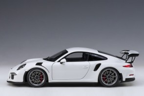 White Porsche 991 (911) w/dark grey wheels AUTOart 78166 scale 1:18