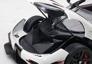 Koenigsegg One:1 Pebble White-Carbon Black, Red Accents 79016 AUTOart 1:18