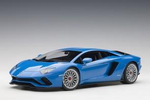 Pearl Blue Lamborghini Aventador S Blu Nila AUTOart 79134 scale 1:18