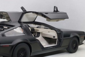 Delorean DMC 12 Matt Black AUTOart 79912 Die-Cast Scale 1:18