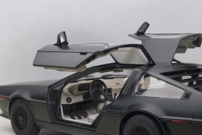 Sale! Delorean DMC 12 Matt Black AUTOart 79912 Die-Cast Scale 1:18