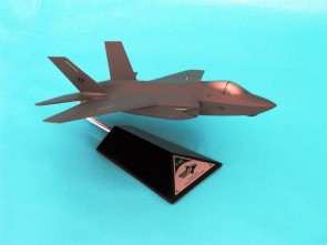 F-35C JSF-USN C6572 1:72 scale