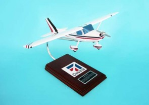 Cessna C-150/152 by Executive Models Scale 1:24