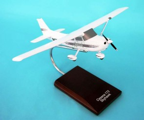 Cessna C-172 Modern by Executive Series Scale 1:32 Item Number: H2932 Scale 1:32