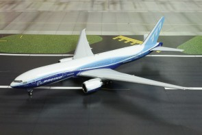 "Boeing House Color ""ZHENGHE"" B777-200LR Reg. N6066Z Phoenix Models 11445 Scale 1:400"