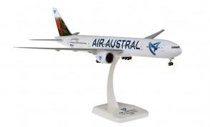 Air Austral Boeing 777-300ER F-OLRD Île de la Réunio gears & stand Hogan HGAA04 scale 1:200