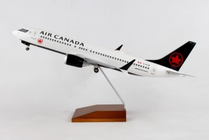 Air Canada Boeing 737-Max8 C-FTJV stand & Gears Skymarks Supreme SKR8279  scale 1:100