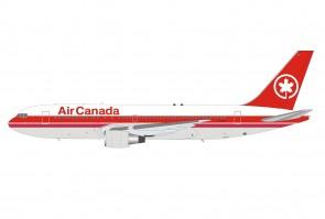 Air Canada Boeing 767-233ER C-GDSU with stand InFlight B-762-AC-SU scale 1:200
