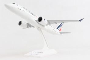 Air France Airbus A220-100 (CS100) F-HZUA with stand Skymarks SKR1095 scale 1:100