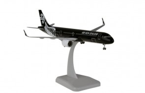 Air New Zealand Airbus A321 all blacks livery with gears & stand Hogan HG11687G  scale 1:200