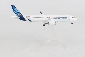 Airbus House A220-300 (CS300 Bombardier) C-FFDO Herpa 562690 1:400