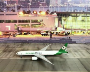 Eva Air Cargo B777-F5E Reg B-16781 Phoenix Model 11432 Scale 1:400