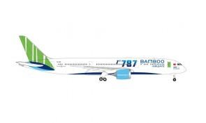 """Bamboo Airways """"1st"""" Boeing 787-9 Dreamliner VN-A819 Vietnam Herpa 534994 scale 1:500"""