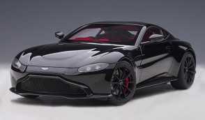 Black Aston Martin Vantage 2019 Jet Black/Carbon Black Roof AUTOart 70275 scale 1:18