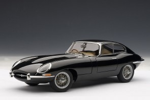 Black Jaguar E-type coupe seriesI 3.8 with metal wire spoke wheels 73611 Scale 1:18