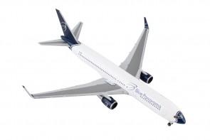 Blue Panorama Boeing 767-300 EI-CMD Citta di Milano Herpa 531559 Herpa scale 1:500